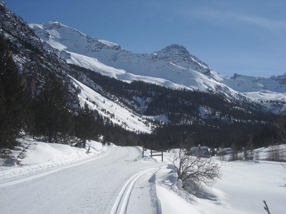 La vallée des Oules avec le Rochebrune